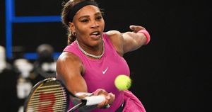 Serena withdraws from semis in Australian Open tuneup